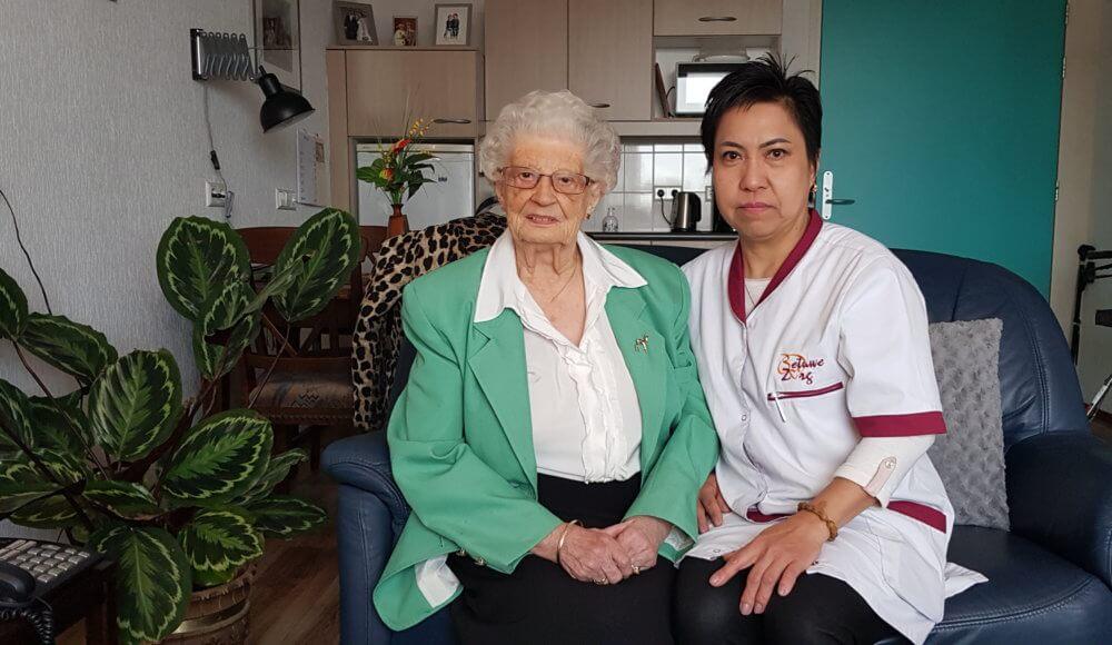 Verpleger komt langs voor thuiszorg Tiel